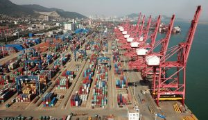 China's foreign trade up 4.3% in first four months