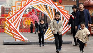 Xinjiang's Urumqi renovates old residential buildings, benefiting over 90,000 households
