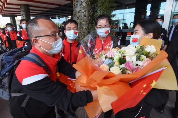 Medical teams aiding Hubei leave Wuhan with gratitude and respect from locals